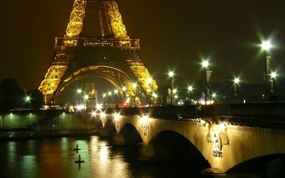 Cena en la Torre Eiffel y crucero por el Sena