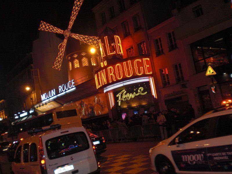 Espectáculo en el Moulin Rouge con traslados desde y hacia el hotel